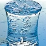 Apa şi importanţa paharului cu apă