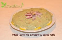 pasta pate de avocado cu ceapa rosie
