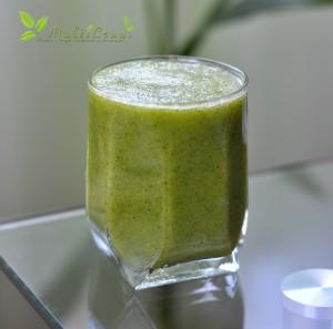 smoothie verde urzici